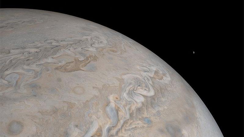 Subhanallah! İşte Jüpiter'deki dev kasırgalar 1