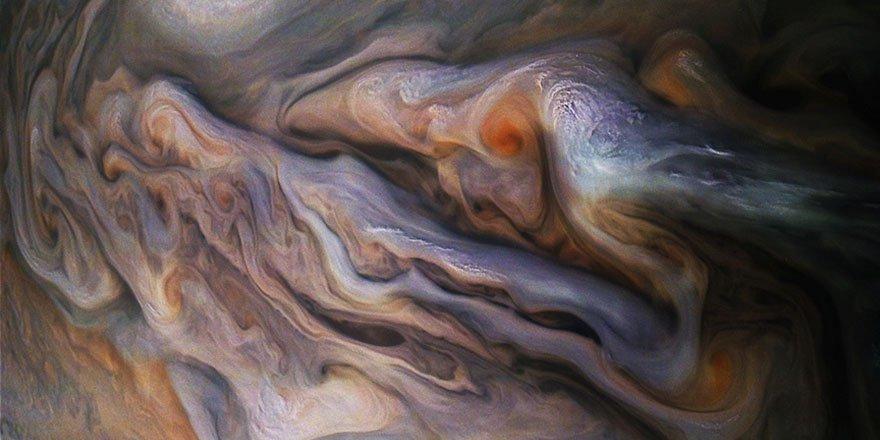Subhanallah! İşte Jüpiter'deki dev kasırgalar