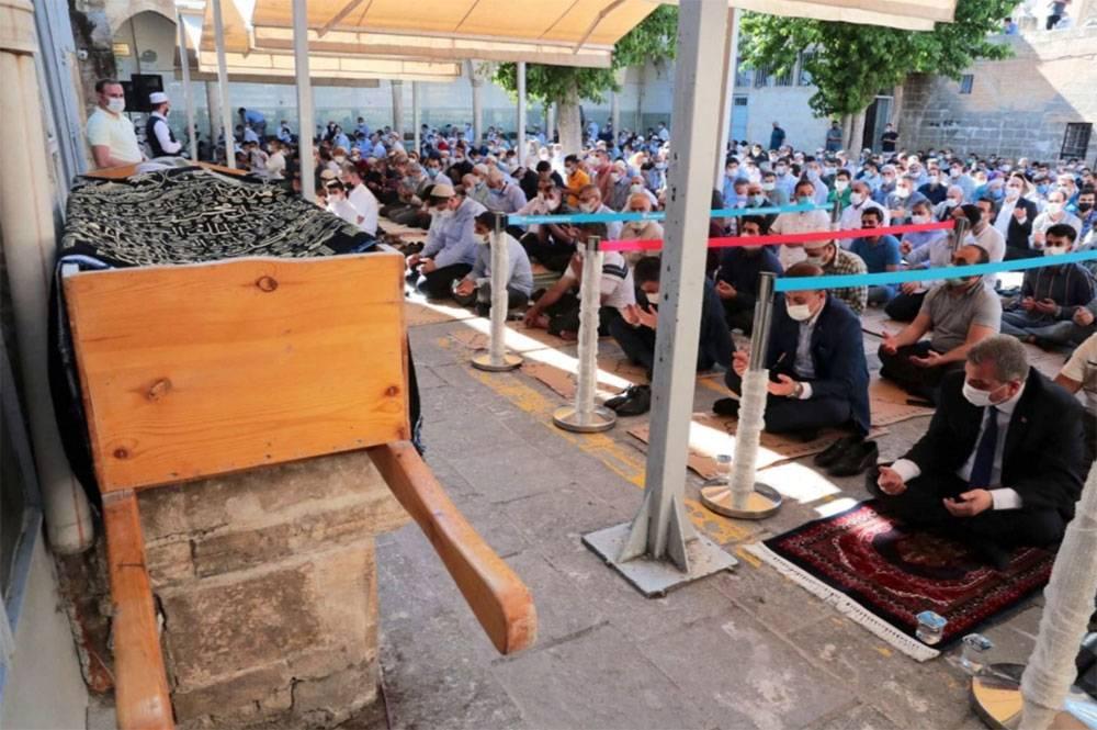 Mustafa Kılıç Hoca (Hoca Abi) dualarla ebedi aleme uğurlandı 1