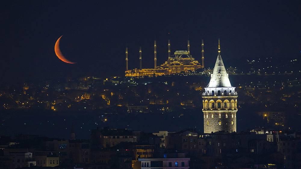 İstanbul'da hilal 1