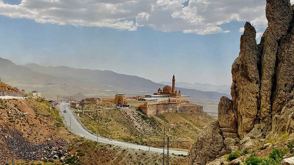 Osmanlı mimarisinin eşsiz örneği: İshak Paşa Sarayı 1