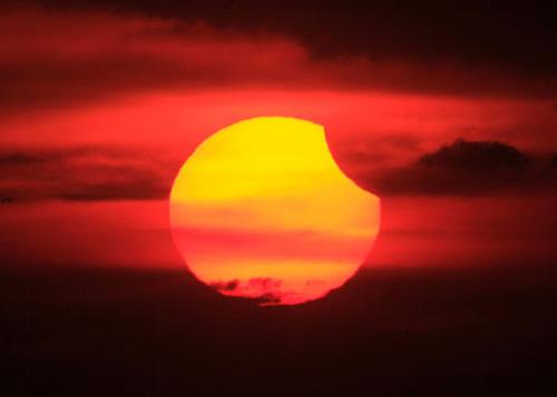 En uzun güneş tutulması 1