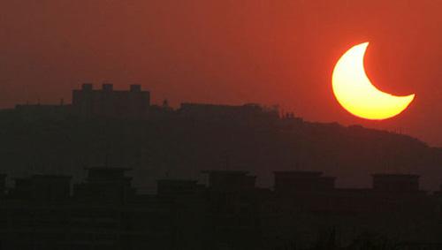 En uzun güneş tutulması 45