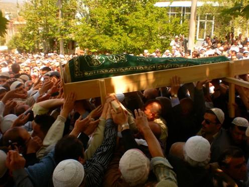 Ali İhsan Tola Ağabey dualarla uğurlandı 10