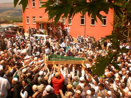 Ali İhsan Tola Ağabey dualarla uğurlandı 12