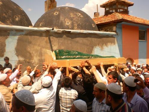 Ali İhsan Tola Ağabey dualarla uğurlandı 13