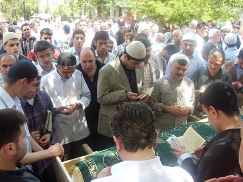 Ali İhsan Tola Ağabey dualarla uğurlandı 29