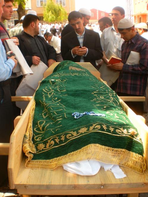 Ali İhsan Tola Ağabey dualarla uğurlandı 3