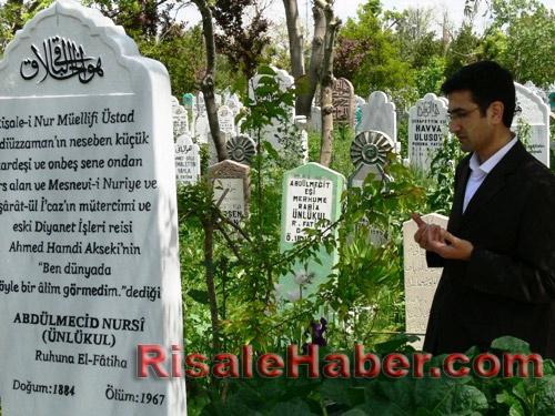 Abdulmecid Nursi'nin kabri 15