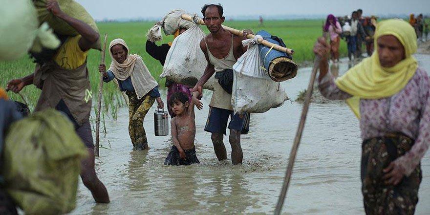 Arakan Müslümanları sele teslim oldu