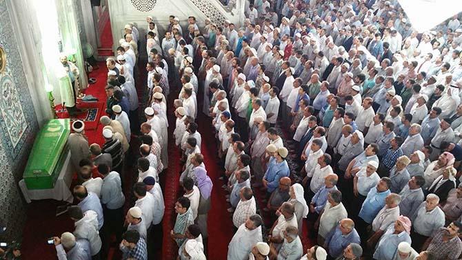 Salih Özcan Ağabey dualarla uğurlandı 27