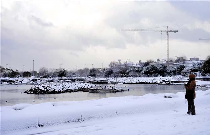 Beyaz rahmete bürünen İstanbul ve Camileri 39