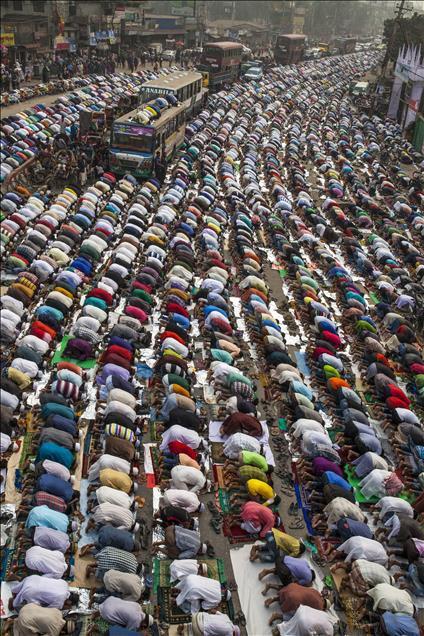 5 milyona yakın Müslüman bir araya geldi 1