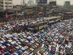 5 milyona yakın Müslüman bir araya geldi