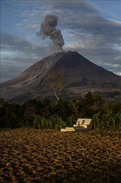 Endonezya'daki Sinabung Yanardağı 1