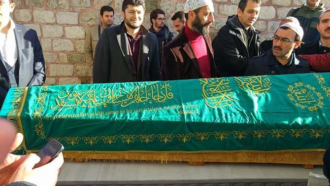 Ahmet Aytimur Ağabey'in cenaze namazından kareler 1