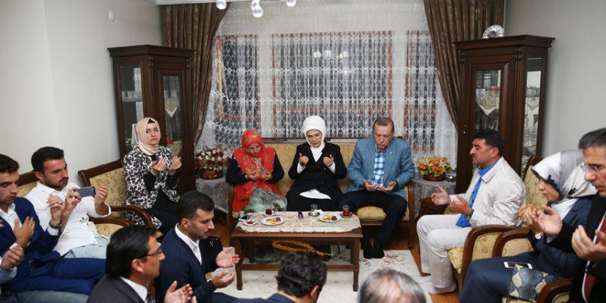 Erdoğan taziye ziyaretinde: Gerçek Nur talebeleri böyle olur