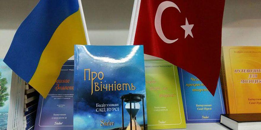 Ukrayna kitap fuarında Risale-i Nur notları
