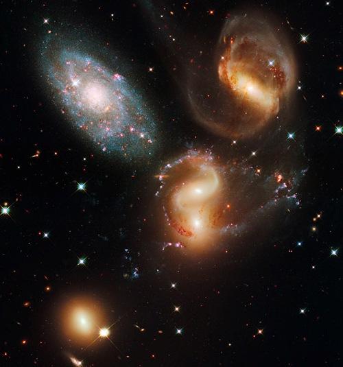 Yeni Hubble'dan Kareler 7