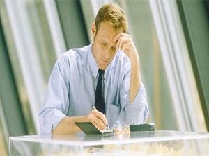 Masa başında çalışıyorsanız oturuş pozisyonuna dikkat!