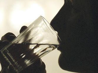 Günde 1.5 litre su içen zayıflıyor