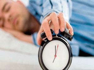 Tatilde uyku düzenini bozmak sonrasında iş verimini düşürüyor