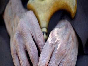 Beyne giden az kan, yaşlılarda düşme nedeni olabilir