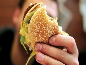Obezite işitme kaybı riskini artırıyor