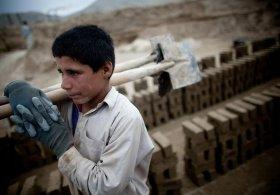 Çocuk işçiler steril ortamlarda yaşamıyor