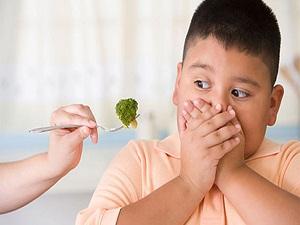 Obez çocuklar okulda daha başarısız