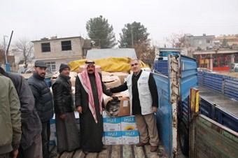 Kimse Yok Mu bir kamyon yardım malzemesini Suriye'ye gönderdi