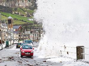 İngiltere fırtınaya teslim