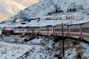 Türkiye'nin batısından doğusuna 39 saat tren yolculuğu