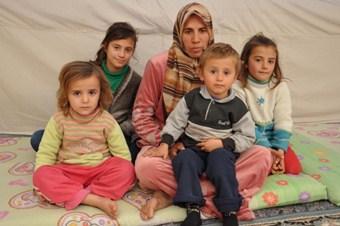 BM Suriye'de 'kayıp nesil' olmaması için para istedi!