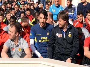 Futbolculardan Cuma namazına büyük ilgi