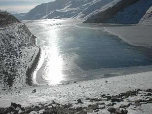 Baraj gölü bile dondu