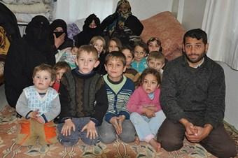 Sokakta kalan Suriyeliler ölümü bekliyor