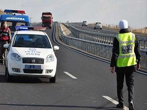 Polis 10 kazadan 3'üne gidiyor