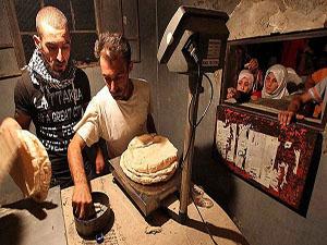 Esed rejimi açlığı silah olarak kullanıyor