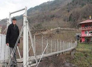 Kendi Boğaz Köprüsü'nü yaptı