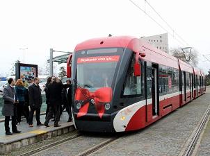 Aracını otoparka park edenler tramvaya yüzde 50 indirimli binecek