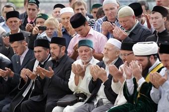 Müslüman sporcular için 6 imam görevlendirildi