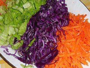Kışın mevsim sebzelerinden yapılan salatayı tercih edin
