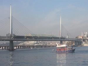 Haliç Metro Köprüsü açılış için gün sayıyor