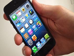 Apple, iPhone'un ekranını büyütüyor