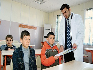 'Çocuklara en çok Esed'in zulmünü anlatmakta zorlanıyoruz'