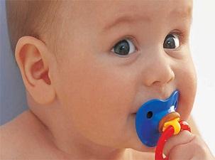 Emzik kullanımı 2 yaşına kadar bırakılmalı