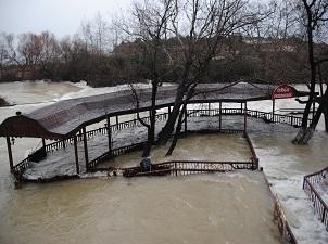 Kuraklık beklenirken Manavgat Şelalesi'nde su taşkını oldu
