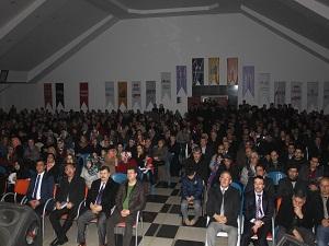 'Herkes O'nu Okuyor' programı salonu doldurdu