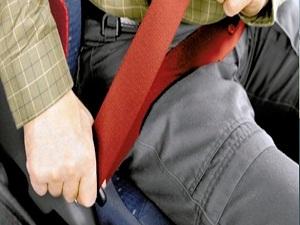 Araçta emniyet kemeri ve kravat uyarısı